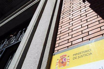 El ministerio de Justicia, el que más tarda en pagar a sus proveedores, según la PMcM