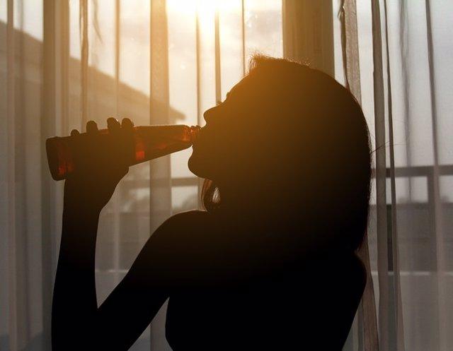 Beber, adolescente, mujer