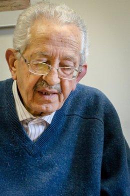 Personas mayores, pensar, pensativos, jubilados, soledad, solitario