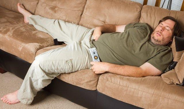 Sedentarismo, sofa, dormir, siesta, televisión