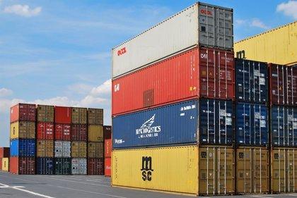 Los precios de exportaciones bajan un 2,8% en junio y los de importaciones suman 40 meses en negativo