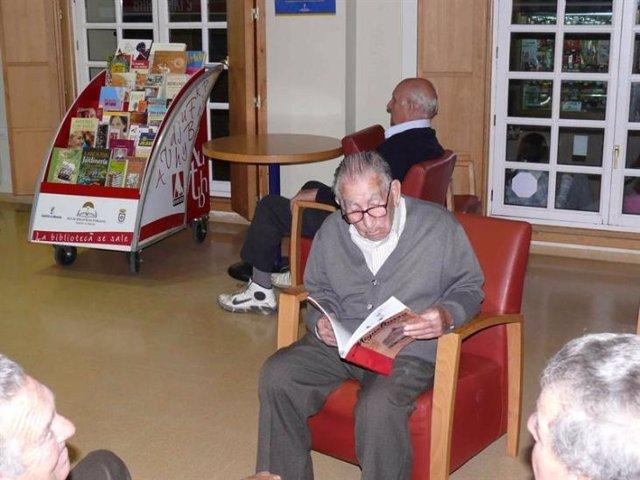 Ancianos en un centro geriátrico