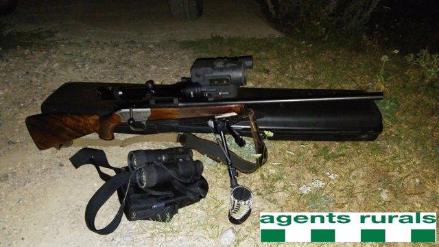 Armas de un cazador furtivo