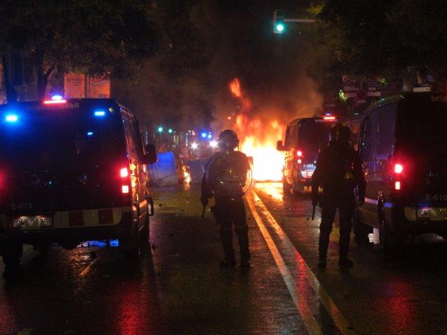 Tercer día de disturbios tras el desalojo de Can Vies