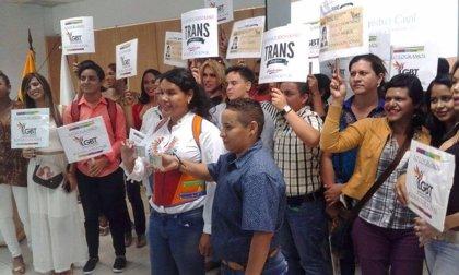 En Ecuador, la población transexual ya puede registar su género en la cédula de identidad