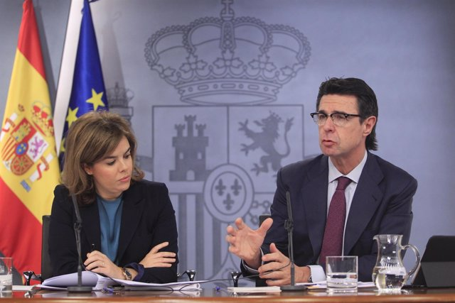 Soraya Sáenz de Santamaría y José Manuel Soria