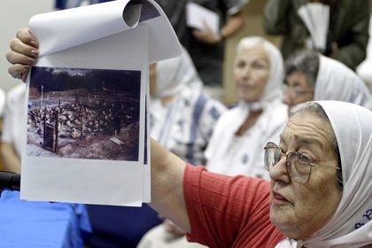 Argentina.- La presidenta de las Madres de la Plaza de Mayo accede a declarar y se libra de la orden de arresto