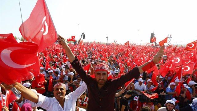 Manifestacion pro Erdogan en Estambul