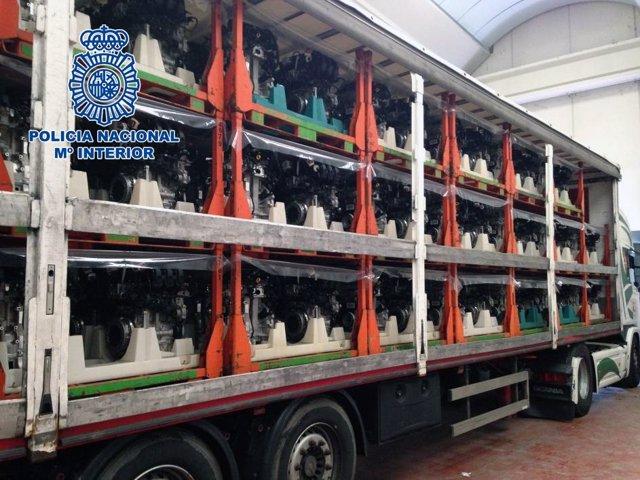 Policía Nacional recupera 200 motores y dos camiones robados
