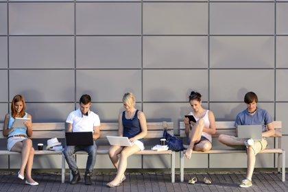 Casi un millón de jóvenes españoles en riesgo de adicción a Internet