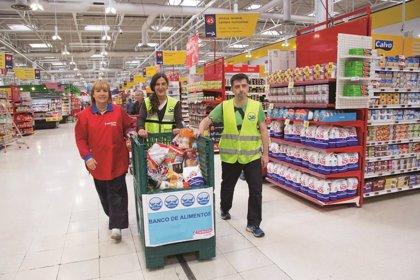 EROSKI y sus clientes donan 84 toneladas de alimentos para familias aragonesas necesitadas