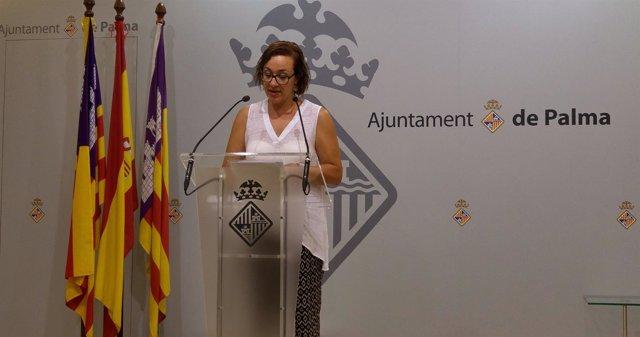 Regidora de Turismo, Comercio y Trabajo, Joana Maria Adrover