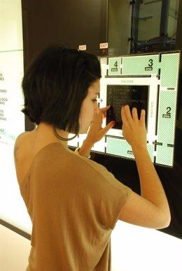 Panel del museo escrito en braille