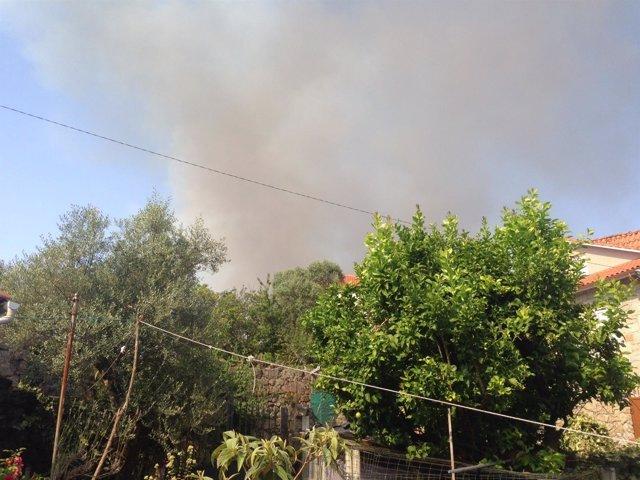 Incendio forestal en Cotobade (Pontevedra).