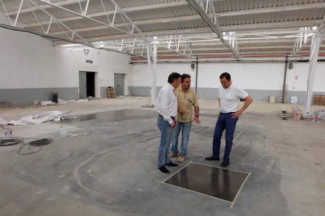 El alcalde de Tarazona visita las obras en el Recinto Ferial
