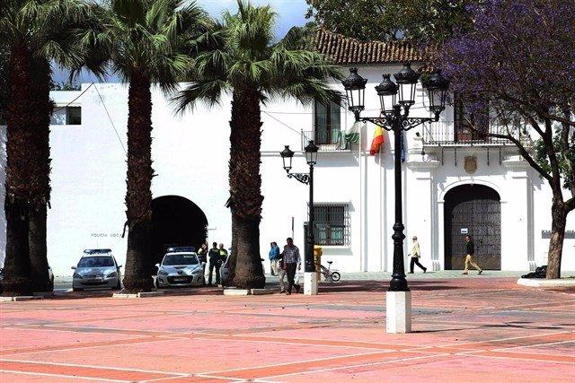 Plaza del Ayuntaniento, en Tomares.