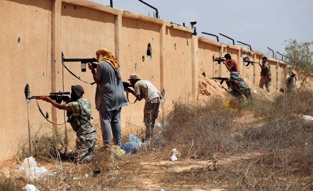 Las fuerzas libias combaten contra Estado Islámico en Sirte