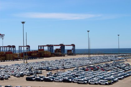 Los puertos apuntan a nuevo año récord tras elevar un 2,5% la mercancía en el primer semestre