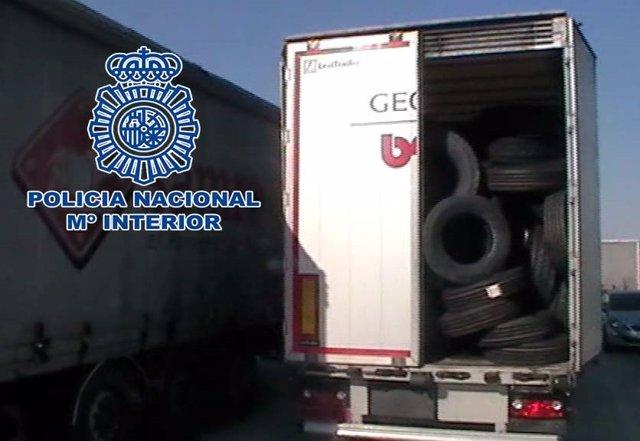 La Policia Nacional detiene a dos individuos por el robo de un remolque en Alcal