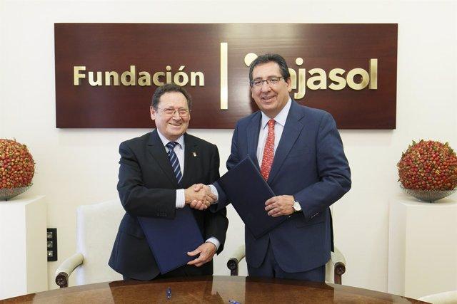 Cajasol mantiene compromiso con el Club Agrupación de Voleibol Esquimo.