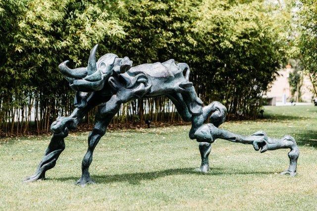 Exposición de esculturas tridimensionales de Dalí