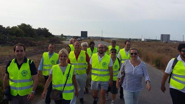 Dirigentes del PP en marcha por la A-491
