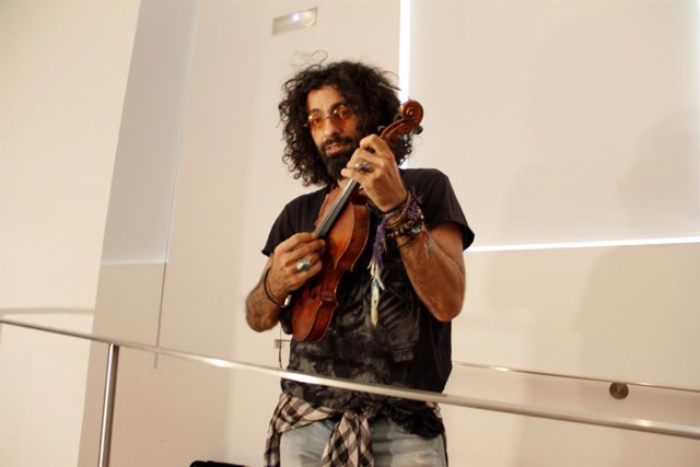 El cantante Ara Malikian