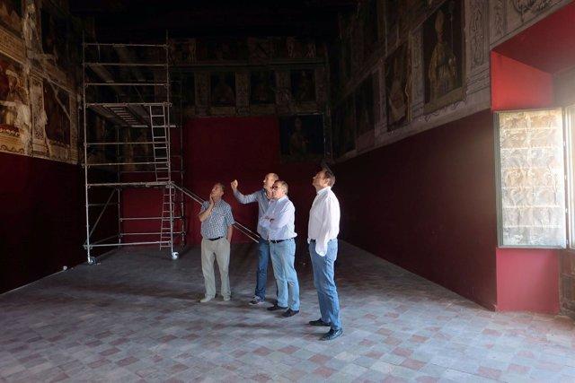 El alcalde de Tarazona visita las obras en el Palacio Episcopal