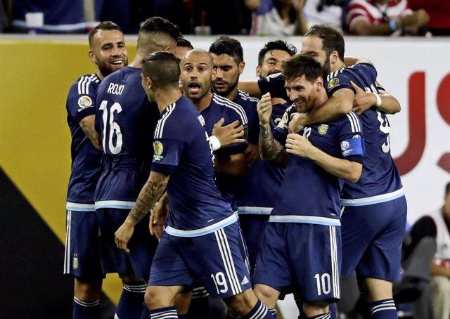 Messi lidera a Argentina en la Copa América