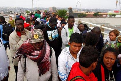 """María Ángela Holguín: """"Colombia no persigue a los migrantes sino a los traficantes"""""""