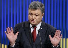 Poroshenko ordena máxima alerta a las fuerzas militares en el este de Ucrania y cerca de Crimea