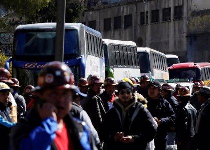 Los mineros bolivianos toman como rehenes a 47 policías durante las protestas