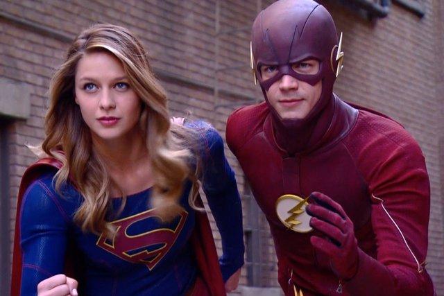The Flash y Supergirl en un crossover musical