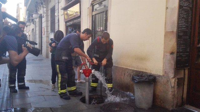 Bomberos de Barcelona en el recorrido de prevención para la Festa de Gràcia