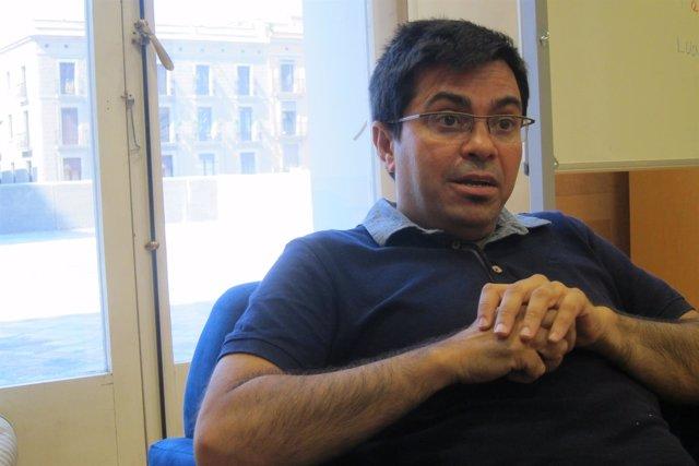El teniente de alcalde Gerardo Pisarello en una entrevista de Europa Press