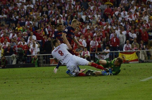 Iborra y ter Stegen en la final de la Copa del Rey 2016