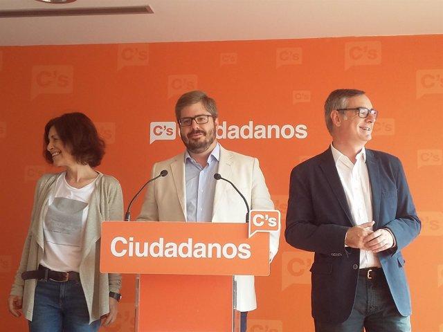 Cristina Losada, Fran Hervías y José Manuel Villegas en la rueda de prensa