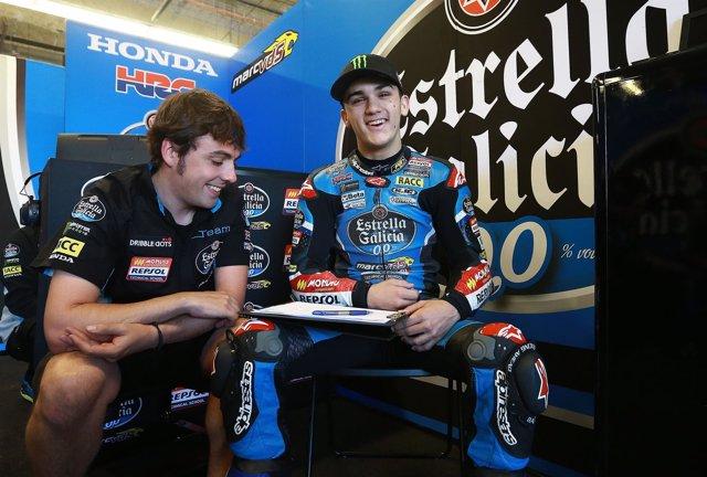 Aron Canet en boxes en el GP de Jerez