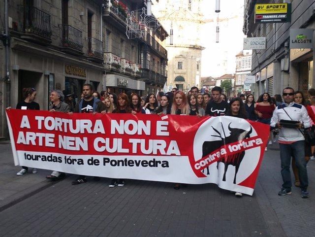 Manifestantes contra las corridas de toros