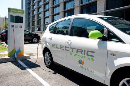 Iberdrola ayudará con 6.000 euros a sus empleados en la compra de un coche eléctrico