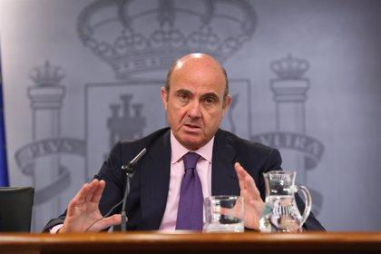 IU pedirá las comparecencias de Montoro y Guindos para explicar las pérdidas del FROB