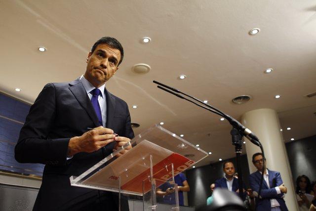 Pedro Sánchez comparece ante los medios tras la reunión con Rajoy