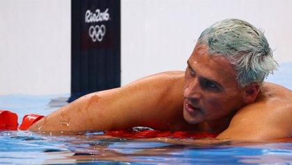 Una jueza brasileña ordena que los nadadores de EEUU víctimas de robo no salgan del país