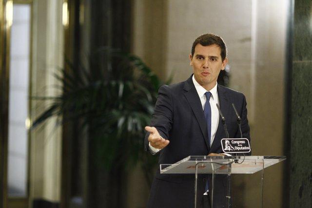 Rueda de prensa de Rivera tras su reunión con Rajoy