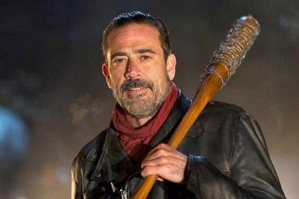 The Walking Dead: La escena de Negan  sin censura en el final de la 6ª temporada