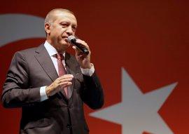 """Erdogan afirma que """"no hay diferencia"""" entre Gulen, el PKK y el Estado Islámico"""