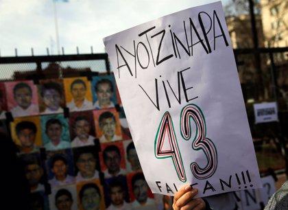 Los padres de los 43 de Ayotiznapa suspenden el diálogo con la Fiscalía