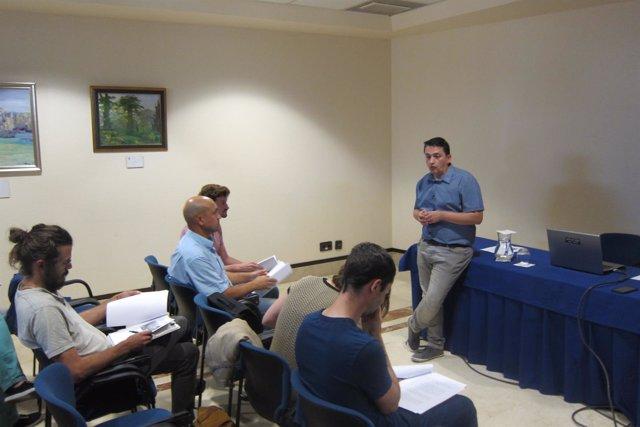 El Concejal Fernando Villacampa (Somos), En Reunión Sobre Usos Del Asturcon