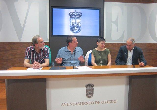 Representantes de la peña bolística 'Tino El Panadero' y Fernando Villacampa.