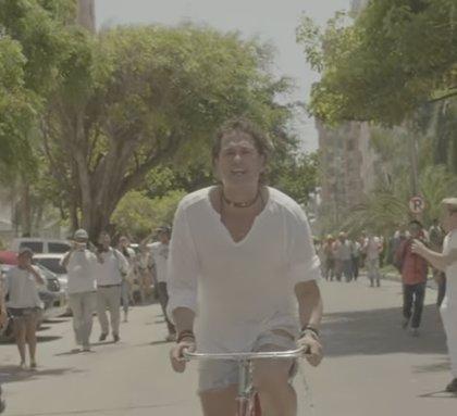 Carlos Vives se queda sin bicicleta: se la roban en Bogotá